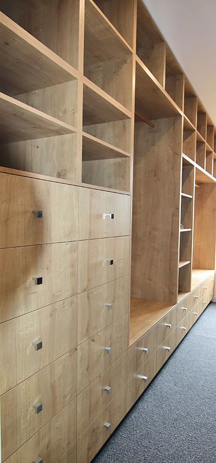 Drawers-in-Timber-Walk-in-Robe