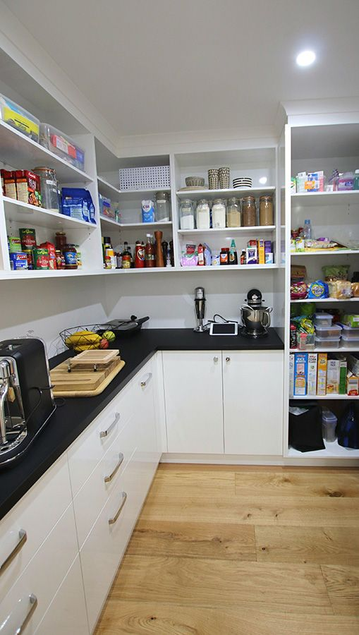 Walk-in-Pantry